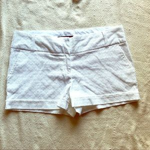 Sz 13/14 Maurices white shorts with front pockets